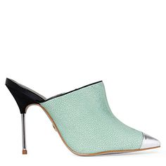 step into the mint direction with pebble printed vamp shoes, metallic toe cap and spiked heel!
