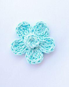Five Petal Daisy Free Crochet Pattern pattern by Cheryl Murray ILuvSandals