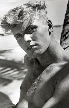 TAB HUNTER died age 86 on from hardened arteries. The blonde heartthrob had a popular film/music and tv career in the mid into the One of the trailblazers of closet gay Hollywood, who was lovers with James Dean , Roddy McDowall and Anthony Perkins. Tab Hunter, Anthony Perkins, Ava Gardner, Vintage Hollywood, Classic Hollywood, Hunter Movie, Star Wars, Pop Singers, Male Beauty