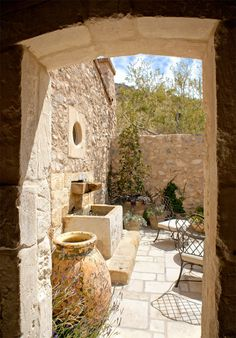 Get inspired with these patio ideas. Browse our photo gallery of beautiful patios, from small DIY projects to professionally designed outdoor rooms. Mediterranean Style Homes, Spanish Style Homes, Mediterranean Garden, Mediterranean Architecture, Style Toscan, Country Style, Country French, Rustic Patio, Rustic Italian