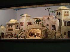 Resultado de imagen para BELENISMO Nativity House, Christmas Nativity Scene, Fontanini Nativity, Christmas Art Projects, Dickens Village, Ceramic Houses, Stage Set, Miniature Houses, Deck The Halls