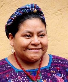 Rigoberta Menchú: por la paz y los derechos humanos Ai Weiwei, Feminist Books, Ap Spanish, Great Women, Teaching Spanish, Powerful Women, Madonna, Identity, Crochet Necklace