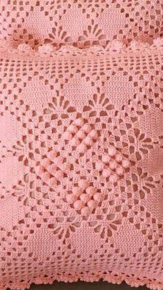 crochet mencanta tejer Crochet Doily Diagram, Crochet Squares, Filet Crochet, Crochet Motif, Crochet Doilies, Crochet Stitches, Knit Crochet, Crochet Pillow Cases, Crochet Cushion Cover
