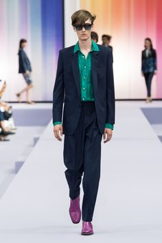 Fashion Week Paris Spring/Summer 2018 look 16 from the Paul Smith collection menswear British Style, British Fashion, Bright Spring, Spring Summer 2018, Fashion Branding, Paul Smith, Men's Collection, Mens Fashion, Paris Fashion