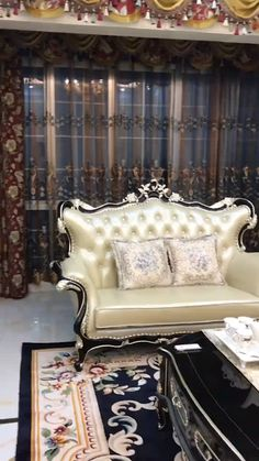 Classic furniture for room decor If there are gaps where the wood comes together, be wary. Home Room Design, Living Room Designs, Living Room Decor, Classic Furniture, Luxury Furniture, Furniture Design, Cowhide Furniture, Wooden Furniture Bedroom, Indian Bedroom Decor