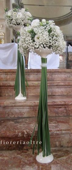 Fioreria Oltre/ Wedding ceremony/ Church wedding flowers/ Baby's breath… Really like the greens used to cover pedestal neck-clever Church Wedding Flowers, Altar Flowers, Church Wedding Decorations, Flower Decorations, Wedding Bouquets, Wedding Background, Wedding Table, Wedding Colors, Floral Arrangements