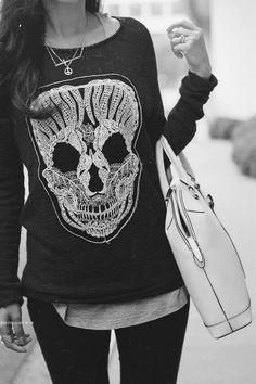 skull sweater... Need this!!