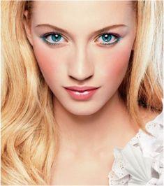Blue eye + Blue liner. #makeup