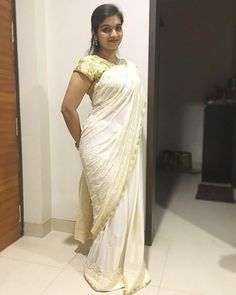 make up looks natural asian Ladies Suits Indian, Indian Girls, Indian Beauty Saree, Indian Sarees, Beauty Full Girl, Beauty Women, Indian Girl Bikini, Saree Backless