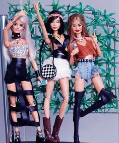 Image may contain: 3 people, people standing and shoes Doll Clothes Barbie, Barbie Doll House, Barbie Dress, Barbies Dolls, Punk Fashion, Fashion Dolls, Barbie Tumblr, Hello Barbie, Black Haircut Styles