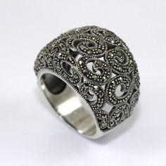 79898e0a37c184 Stylowy pierścionek srebro i markazyty - Jubiler Balais - biżuteria złota i  srebrna