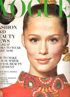 Lauren Hutton, photo by Irving Penn, Vogue US, July 1968*