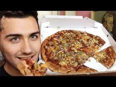 Culinária Vegana - YouTube Pizza Vegana, Pepperoni, Youtube, Food, Ideas, Pizza, Meals, Yemek, Youtubers