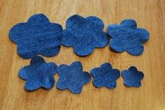 denim flower-tutorial… stack 7 different sized shapes… stitch in center… add button to center…. Denim Flowers, Cloth Flowers, Fabric Flowers, Artisanats Denim, Denim And Lace, Jean Crafts, Denim Crafts, Fabric Crafts, Sewing Crafts