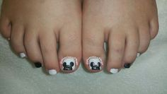 Disney toes. Mickey mouse and Minnie mouse. :D #PreciousPhanNails
