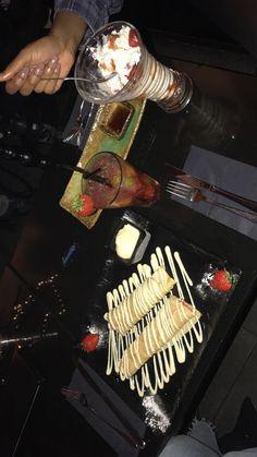 Food N, Good Food, Food And Drink, Yummy Food, Steak Kabobs, Shish Kabobs, Snap Food, Applis Photo, Happy Birthday Candles