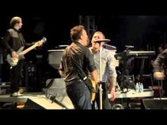 ▶ No Surrender Bruce Springsteen & The E Street Band Live Hyde Park 2009 - Featuring Brian Fallon of Gaslight Anthem!