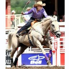 NFR Qualifier Jackie Jatzlau... Training Tips.. How to get more rate Barrel Racing Tips, Barrel Racing Horses, Barrel Horse, Types Of Horses, Horses And Dogs, Show Horses, Woman Riding Horse, Rodeo Events, Reining Horses