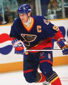 Wayne Gretzky Women's Hockey, Hockey Stuff, Hockey Games, Hockey Players, Blues Nhl, Sports Fanatics, Wayne Gretzky, St Louis Blues, Go Blue