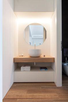 bathroom: Bagno in stile in stile Minimalista di Didonè Comacchio Architects