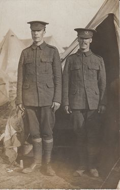 WWI British soldiers by hoosiermarine, via Flickr