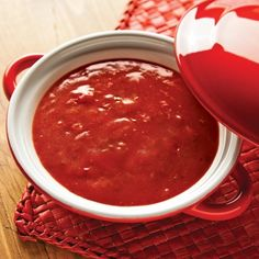 Sauce à fondue chaude au chili - Recettes - Cuisine et nutrition… Sauce A Fondue, Fondue Raclette, Sauce Crémeuse, Sauce Chinoise, Sauce Chili, Sauces, Dressing, Nutrition, Chipotle
