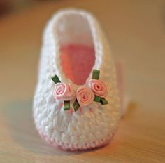Crochet Baby Booties - Baby Girl Booties - Ballet Slippers with Tiny Roses