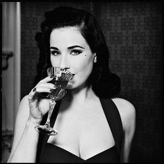 dita with a drinky poo