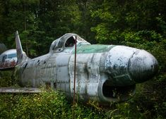 The Shell Of An F-86D Saber Plane | Pictures Of Abandoned War Airplanes Abandoned Ohio, Abandoned Cars, Abandoned Buildings, Abandoned Places, Ww2 Planes, Military Aircraft, Ww2 Aircraft, Fighter Aircraft, Texas Coast