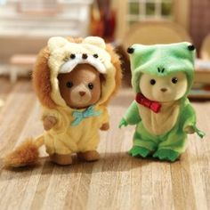 Calico Critters - Frog & Lion Costume Set