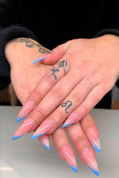 White French Nails, French Tip Acrylic Nails, French Tip Nail Designs, Best Acrylic Nails, Blue French Tips, May Nails, Aycrlic Nails, Nail Tips, Manicure Ideas