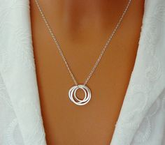 Three Sisters Necklace – Sister Gift, 3 Entwined Circles, Friendship, Sisters Jewelry - Sterling Silver Inseparable Rings, Infinity Necklace.  This