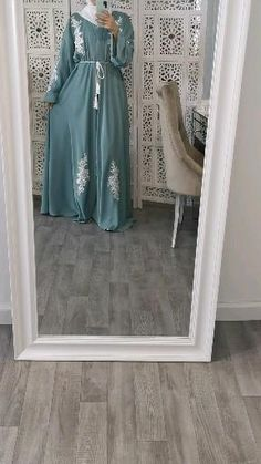 New Abaya Style, Hijab Style Dress, Modest Fashion Hijab, Abaya Fashion, Abaya Designs, Burqa Designs, Hijab Fashionista, Mode Abaya, Mode Hijab