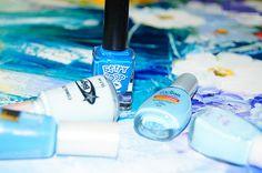 Blue polish nails
