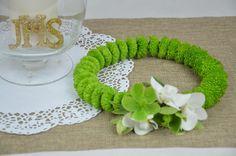 moje proste rzeczy: Wianek komunijny z żywych kwiatów - Santini zielone, storczyk i ciemiernik
