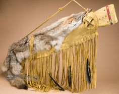 Old style Native American rifle cases made with genuine buckskin leather are perfect for southwest and western då_ecor. Native American Tattoos, Native American Decor, Native American Artifacts, American Indian Art, Leather Art, Leather Cover, North American Tribes, Bow Quiver, Bow Cases