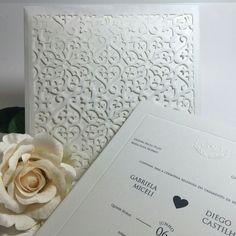 Convite com recorte a laser que a @scardsconvites fez para o casamento da Gabriela e do Diego.💕💕💕 #convite #wedding #casamento