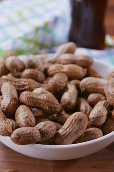 Slow-Cooker Boiled Peanuts We've found the next snack you're sneaking into the ballgame. Get the recipe from Delish. Chicken Breast Recipes Slow Cooker, Slow Cooker Chicken Marsala, Slow Cooker Recipes, Crockpot Recipes, Low Carb Slow Cooker, Vegan Slow Cooker, Slow Cooker Mongolian Beef Recipe, Boiled Peanuts, Crock Pot