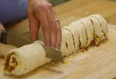 She Rolls Meat And Cheese In Dough And You Will Definitely Love The Results Taco Pizza Rolls, Food Network Recipes, Food Processor Recipes, Baking Recipes, Snack Recipes, The Kitchen Food Network, Greek Sweets, Greek Cooking, Party Food And Drinks