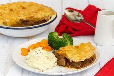 Scottish Steak Pie Recipe - Scottish Scran Slow Cooked Steak, Stewing Steak, Scottish Steak Pie Recipe, Scottish Recipes, Pie Recipes, Cooking Recipes, Beef Pies, Recipe Collection, Pie Dish