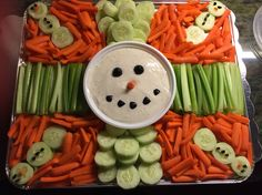 Christmas Veggie Tray, Christmas Party Food, Christmas Brunch, Xmas Food, Christmas Appetizers, Christmas Cooking, Christmas Goodies, Christmas Desserts, Holiday Treats