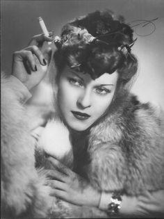 Mariella Lotti actress, 1945 by Arturo Ghergo