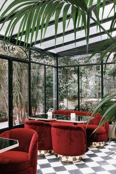 """Bar caché """"le très particulier"""" à Montmartre"""