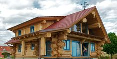 Handcrafted Cedar Log Home, See it Being Built!