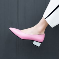 #chiko #chikoshoes #shoes #fashion #fashionable #style #lookbook #fall #winter #autumn #new #best #streetstyle #chic #trend #streetfashion #pumps #pink
