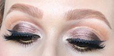 Ciao bellezze. Sono tornata con un nuovo make up per voi, e questa volta ho deciso di fare uno smokey eyes super glamour perché era da...