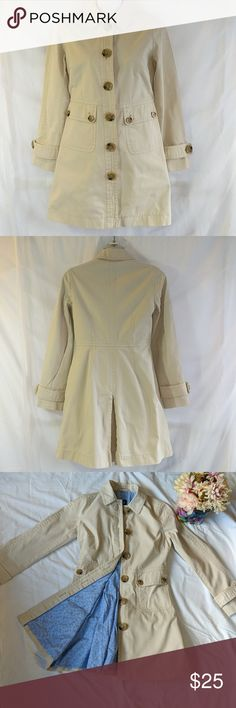Gap cream colored trench fully lined coat sz xs Great for cold weather, fashionably cute! Sz XS from Gap. Light cream color with full blue lining. Buttons complete. 2 pockets in the front. Please note half a centimeter pink line on the chest that is barely noticeable due to its small size. Originally bought as is. No tears or rips. When buttoned, flat lay measurements as follows: Chest: 17 inches Waist:. 15 inches Sleeve length from edge of shoulder:  22.5 inches Length: 32 inches GAP…