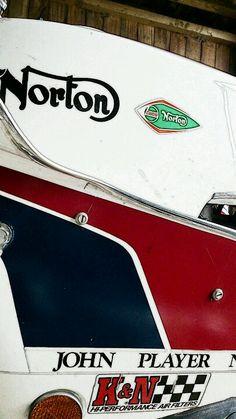 Vintage Motorcycles, Cars And Motorcycles, Norton Motorcycle, Norton Commando, Classic Bikes, Zoom Zoom, Rockers, Racing, Passion