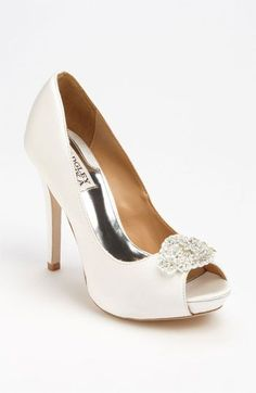 Any sophisticated bride needs a fabulous pair of shoes on her wedding day. Come and shop our favorite wedding shoes. They are everything!