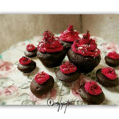 #cupcake #cake #photography #foodporn #emofofashion #emofopatsii #barunsobti Cake Photography, Nature Photography, Photo Ideas, Cupcake, Food Porn, Desserts, Shots Ideas, Tailgate Desserts, Deserts
